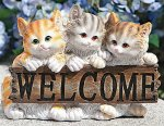 09-cat-statue_kitten-welcome-sign.jpg